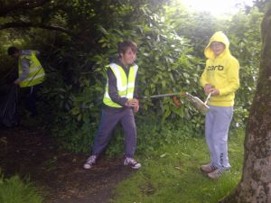 Village clean-up in May 2014 - Youth Club 2